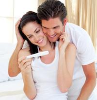 pregnancy symptoms test couple